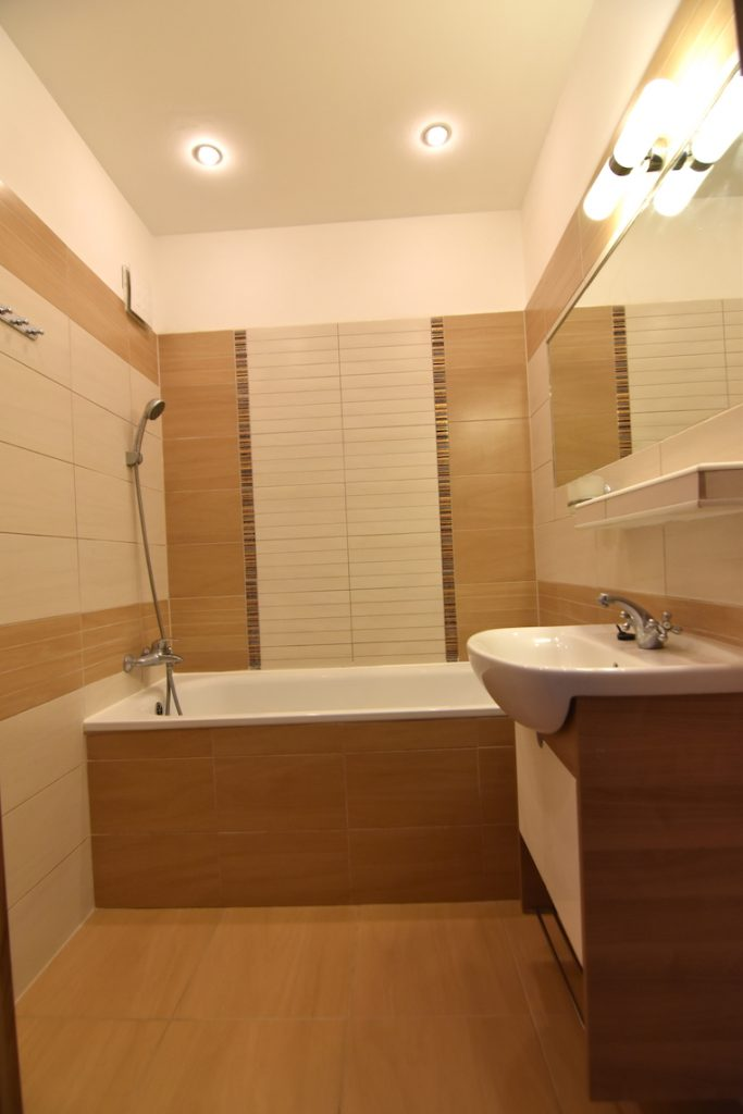 VIDEO: Unfurnished 3-room apartment with a balcony on Narcisova Street in Šaľa