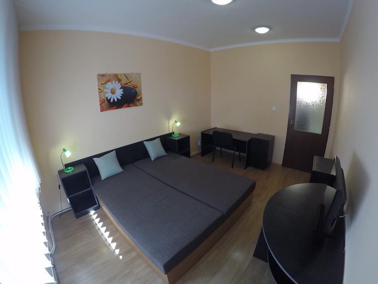 VIDEO: 1-izb. byt v rodinnom dome, ul. Na Priehon, Nitra