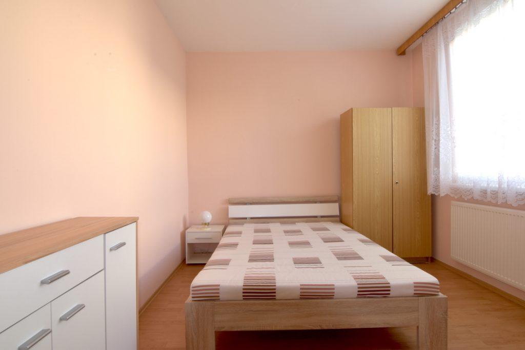 VIDEO: Priestranný 4-izb. byt na Bellovej ul., Nitra