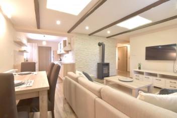 3D и ВИДЕО: 3-комнатная квартира с местом для сидения на открытом воздухе на улице Palackého в городе Nitra
