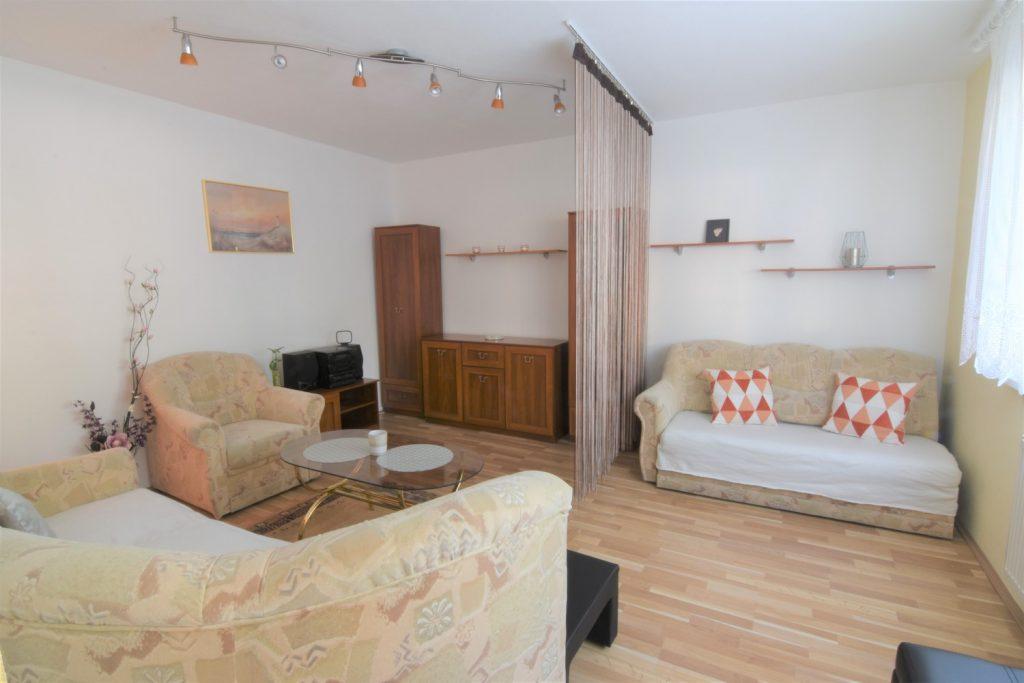 ВИДЕО: однокомнатная квартира с подвалом на улице Dunajská, Nitra