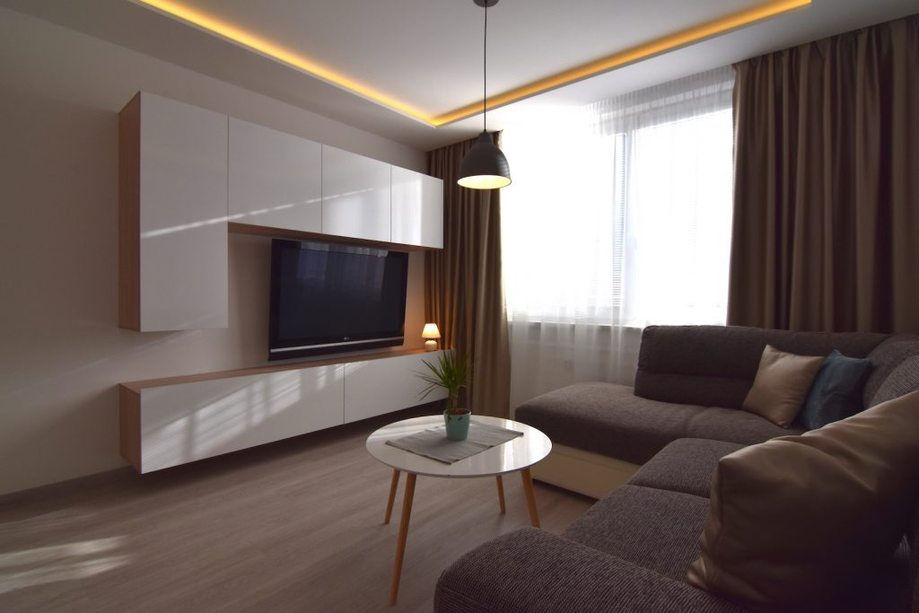 VIDEO: Reconstructed, fashionably furnished bachelor apartment at Klokočina district in Nitra