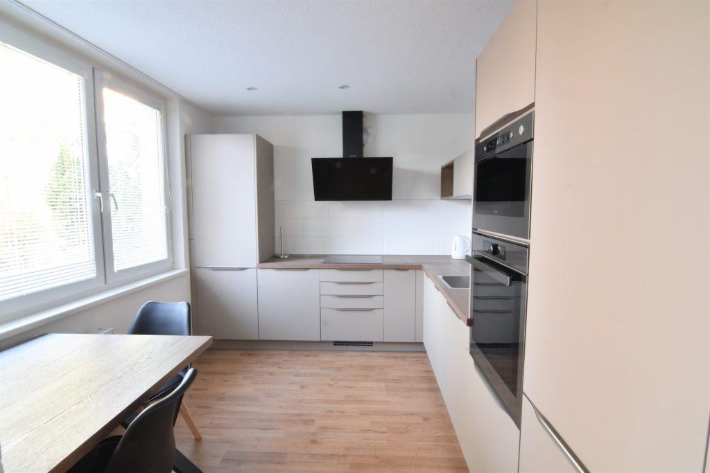 VIDEO: Unfurnished 3-bedroom apartment on Nábrežie Mládeže Street, Chrenová city district in Nitra