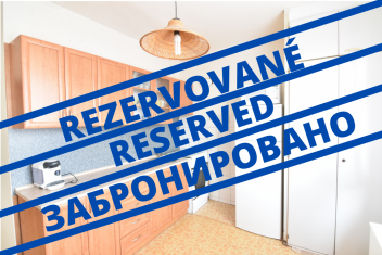 VIDEO: 2-bedroom apartment with a balcony on Schurmannova Street close to the park in Nitra