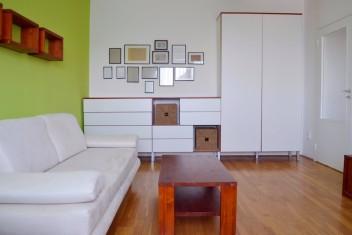 ВИДЕО: Просторная 2-комнатная квартира в городе Bratislava – Petržalka