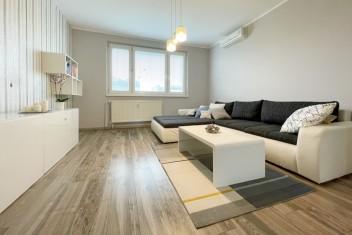 3D a VIDEO: Slnečný 3 izbový byt s loggiou po rekonštrukcii v Bratislave – Petržalke